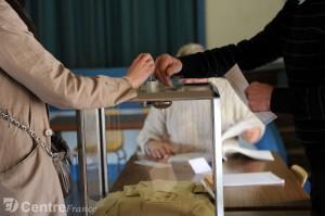 urne-dans-un-bureau-de-vote_671357