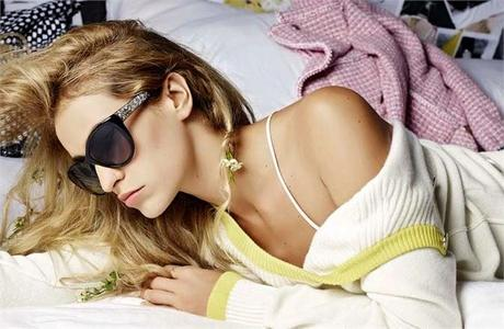 Alice Dellal est l'égérie la nouvelle campagne Chanel Eyewear...