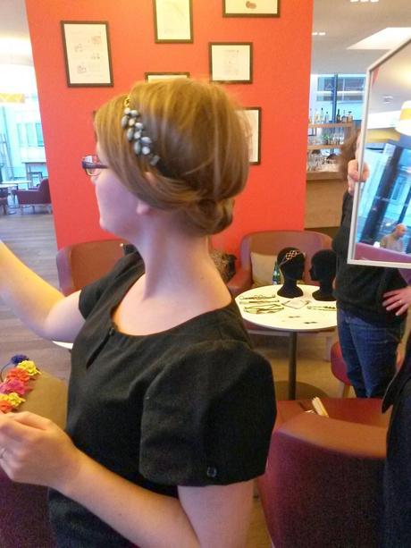 Une bruschetta et un atelier coiffure, svp !