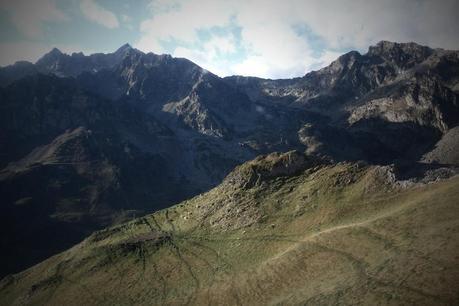 Vue sur la vallée depuis le Pic du Midi de Bigorre