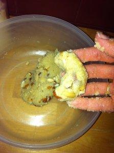 Petit assortiment gourmand : guimauve et croissants aux pignons