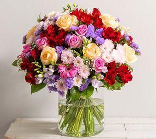 5 beaux bouquets propos s par interflora pour la f te des m res d couvrir. Black Bedroom Furniture Sets. Home Design Ideas