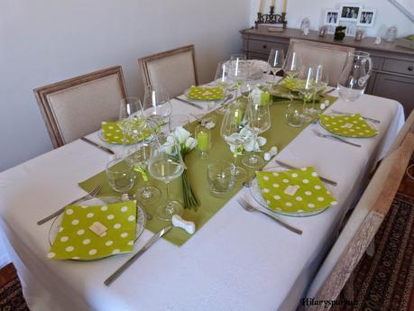 table fra cheur en vert anis blanc et transparence fresh. Black Bedroom Furniture Sets. Home Design Ideas
