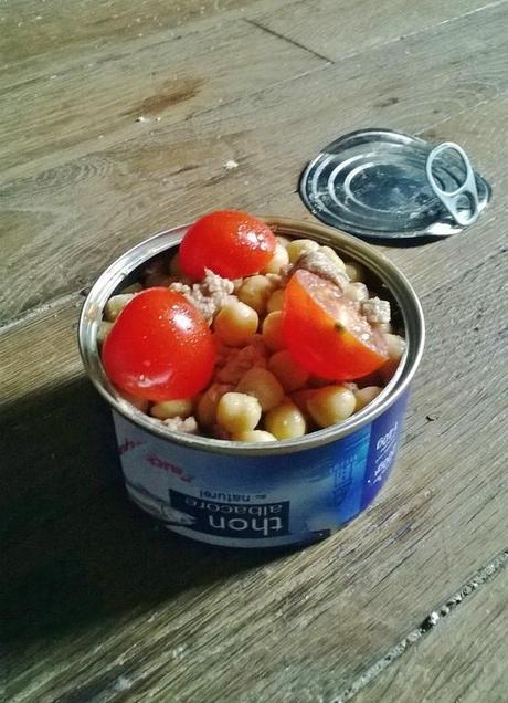 salade de pois chiches au thon et tomates cerises paperblog. Black Bedroom Furniture Sets. Home Design Ideas