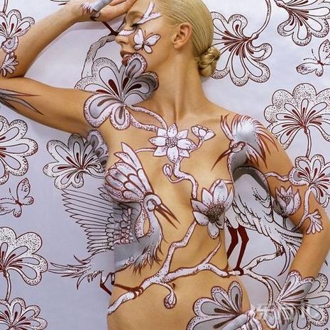 http://media.paperblog.fr/i/72/729113/body-art-peinture-sur-corps-nus-L-1.jpeg