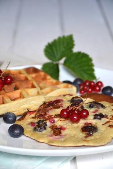 Cr pes et gaufres aux fruits rouges avec ou sans lactose lire - Pourquoi laisser reposer la pate a crepe ...