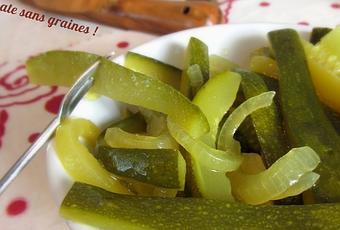 pickles de courgette au vinaigre et au curry voir. Black Bedroom Furniture Sets. Home Design Ideas