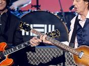 Paul McCartney même malade, continué composer
