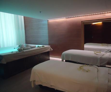 lumi re et puret au spa by clarins marseille paperblog. Black Bedroom Furniture Sets. Home Design Ideas