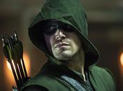 Arrow, saison première scène James Bond révèle Stephen Amell