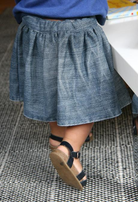 Patron gratuit la jupe vicky pour b b fille paperblog - Patron jupe elastique fille ...