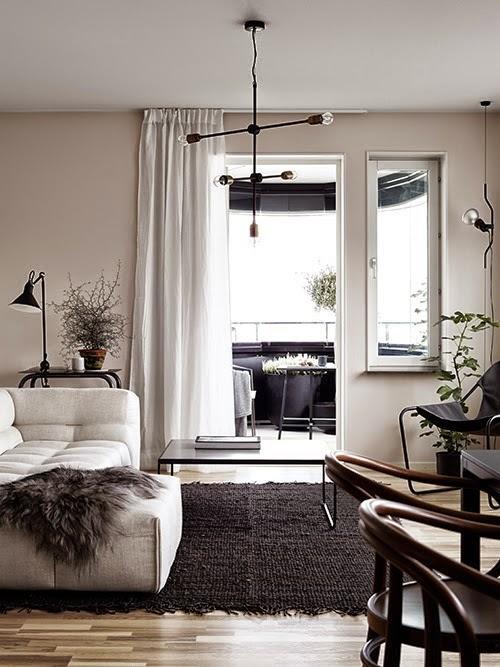 stockholm appartement avec un bureau en rose et noir lire. Black Bedroom Furniture Sets. Home Design Ideas