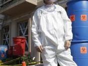 décore maison pour Halloween sous signe d'Ebola