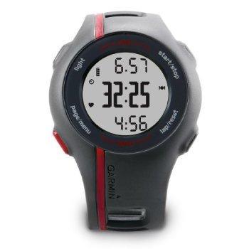 Le Forerunner 110 est le moyen le plus simple pour effectuer votre entraînement. Il est équipé d'un GPS pour mesurer la distance et la vitesse lors de vos sessions : très simple d'utilisation, il vous suffit d'appuyer sur « start » et de commencer vo...