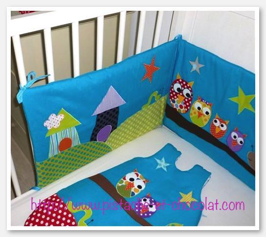 toute la famille hibou x dans le linge de lit de b b voir. Black Bedroom Furniture Sets. Home Design Ideas