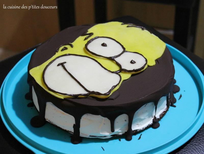 Layer cake d 39 anniversaire homer simpson au chocolat noir - Simpson anniversaire ...