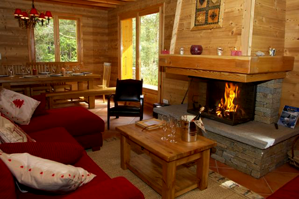 http://www.france-etravel.com/output/information/theme/36/chalet%20TR6%20cheminee.png