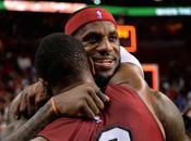 LeBron James retour Miami sous applaudissements