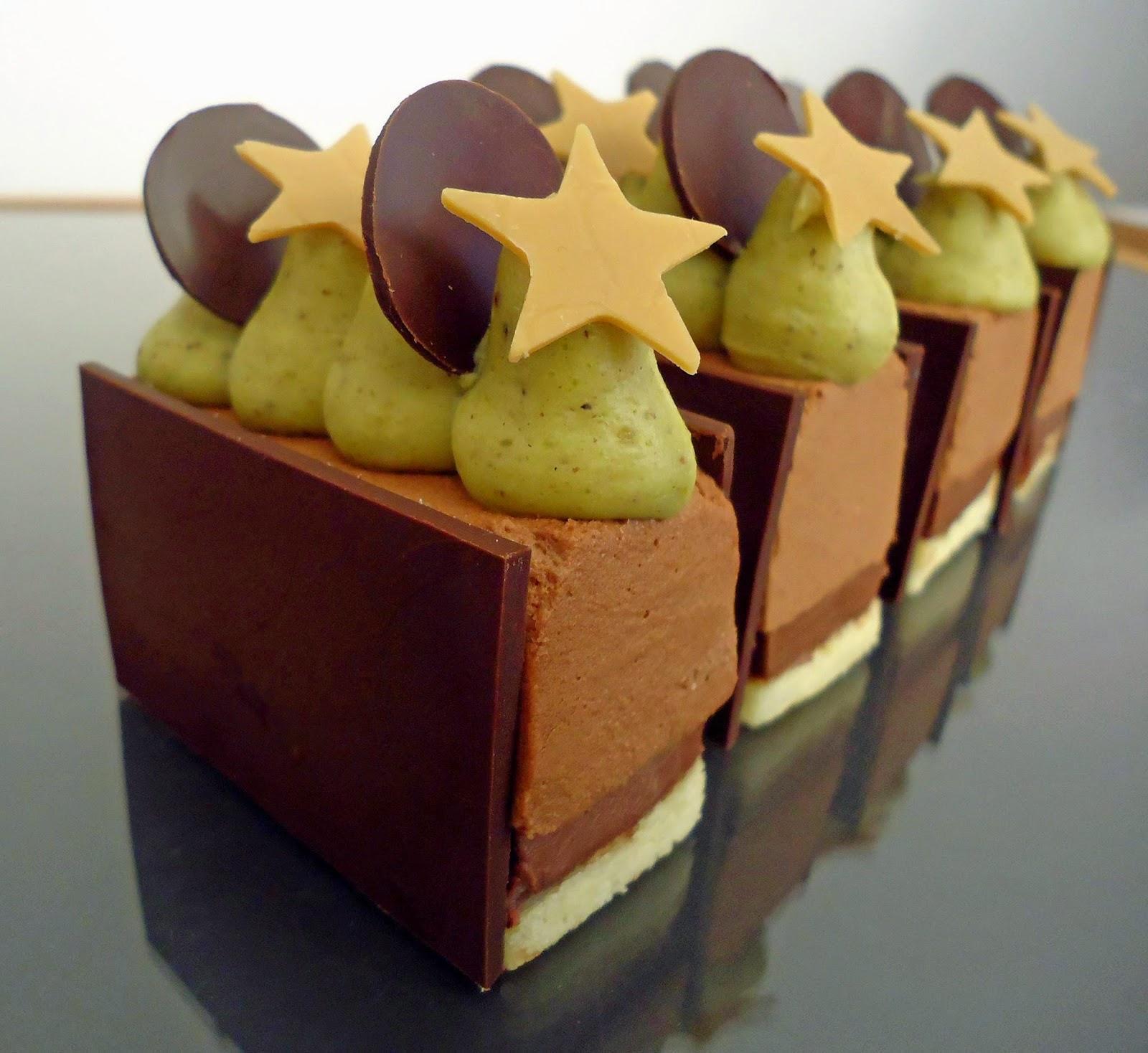 Dessert du nouvel an chocolat pistache lire - Gateau pour reveillon nouvel an ...