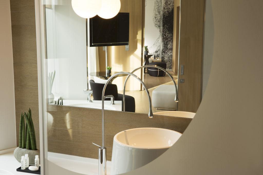 visite d co le cinq codet d couvrir. Black Bedroom Furniture Sets. Home Design Ideas
