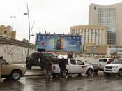 Libye Assaut l'EI contre hôtel Tripoli, moins neuf morts