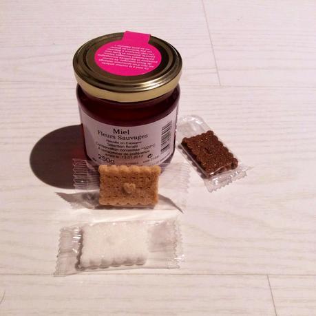 Shopping Gourmand - pot de miel aux fleurs sauvages et sucres en forme de petits beurres - du bruit dans la cuisine