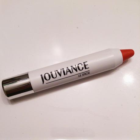JOUVIANCE: Le stick, le seul produit beauté agencé à mon salon... et ce n'est pas une blague...