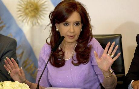 Argentine : La plainte pour entrave contre Kirchner est rejetée