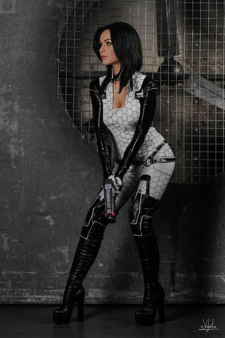attention by hannuki d75sus5 Cosplay   Mass Effect   Miranda #60  mass effect Cosplay