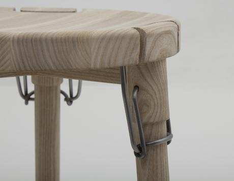 LATCH STOOL LE TABOURET PAR CHRISTIAN JUHL - 2014