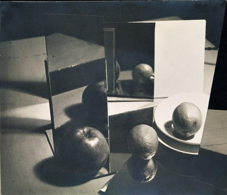 Composition Nature morte, 1929, Florence Henri © Galleria Martini & Ronchetti