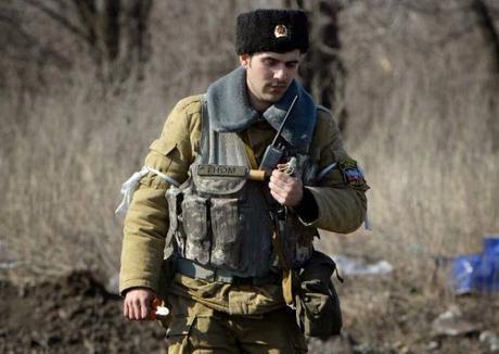 Ukraine: les démineurs rebelles désamorcent les pièges à Debaltseve