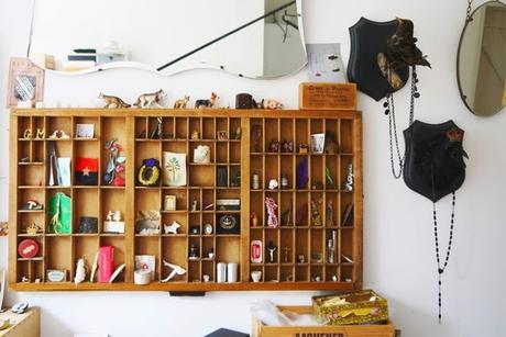 Decoration mur - collection objets miniatures
