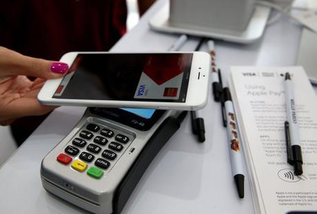 Vous allez bientôt pouvoir payer avec votre iPhone 6