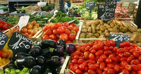 Embargo : Athènes demande à Moscou la permission de lui livrer oranges, fraises et pêches