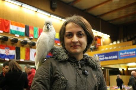 Alina L'Ami avec un nouvel Ami - Photo © Chess & Strategy - Photo © Chess & Strategy