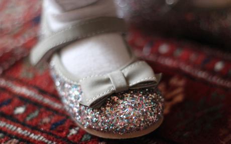chaussures_paillettes_bébé