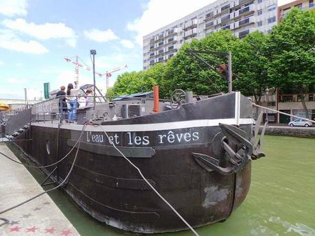 L'Eau et les Rêves, la péniche-librairie du canal de l'Ourcq