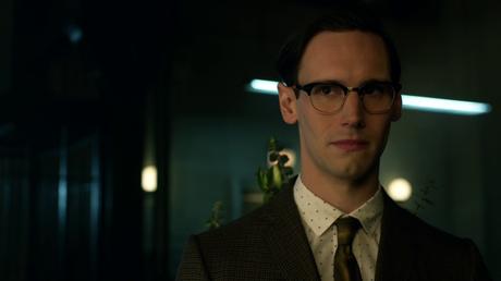 Les critiques // Gotham : Saison 1. Episode 18. Everyone Has a Cobblepot.