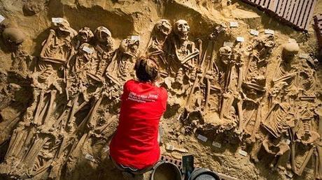 200 squelettes découvertes dans des fosses communes à Paris