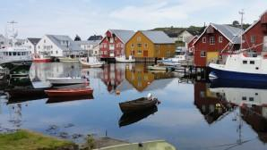 http://img.over-blog.com/300x168/4/47/22/18/Scandinavie-Norvege-3/0604-Bud-le-port-de-peche.jpg