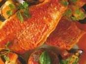 Filets Rouget-barbet poêlés, fonds d'artichauts farcis, fumet crustacés tapenade d'olives