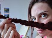Cheveux longs fourches sont responsables pointes s'affinent