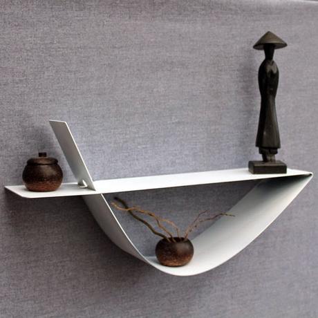 des tag res design et d coratives un style sobre et raf paperblog. Black Bedroom Furniture Sets. Home Design Ideas