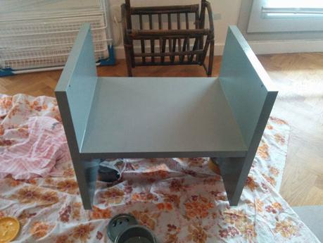 comment moderniser une table de chevet en 2 tapes diy d couvrir. Black Bedroom Furniture Sets. Home Design Ideas