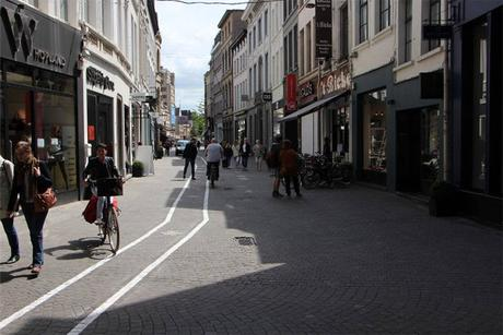 Anvers-textwalkinglane13