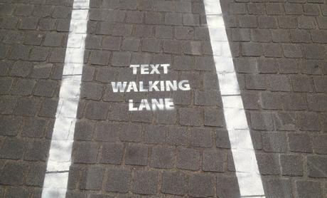 Anvers-textwalkinglane16