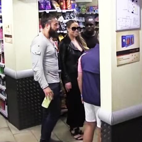 Mariah Carey fait ses courses à Carrefour Market en plein Paris ! (VIDEO)