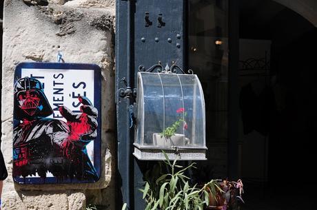 Uzès : les panneaux pochoirs de Barricade