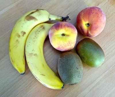 La fabuleuse recette du smoothie d'été ... Banane Kiwi Pêche Menthe